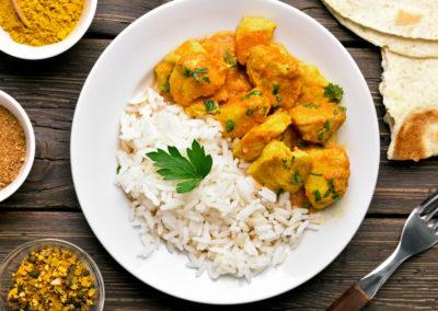 Receta de pollo al curry estilo hindú